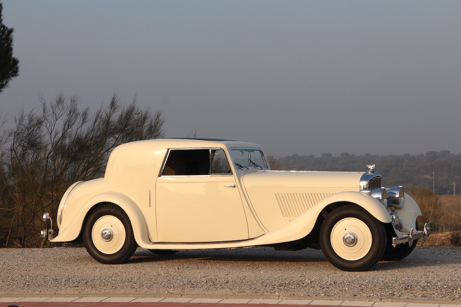 1936 Bentley 4 1/4 litre coupe by Barker